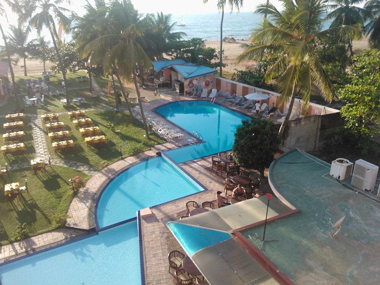 Paradise Beach Hotel Negombo