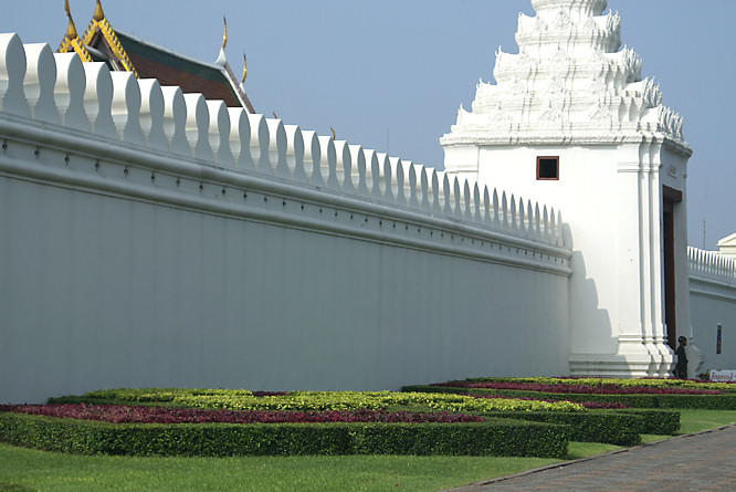 ternal wall of Bangkok's Thai Royal Grand Palace