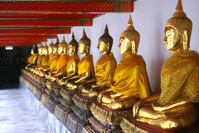 Bangkok gold seated Buddha & Bangkok Wat Pho Temple of the Reclining Buddha islam-shia.org