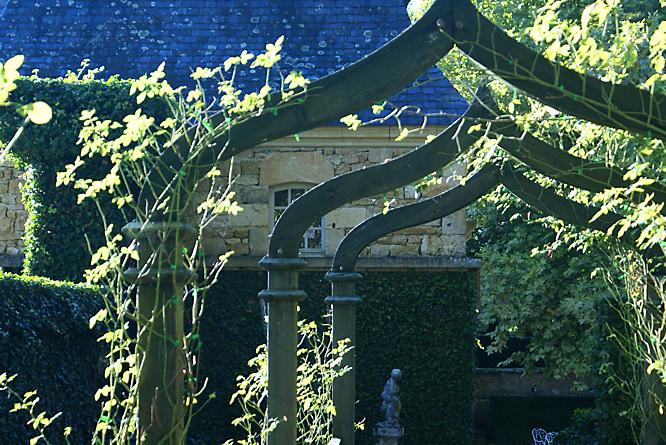 Jardins du manoir d 39 eyrignac dordogne france eyricnac manor gardens guide - Jardins du manoir d eyrignac ...