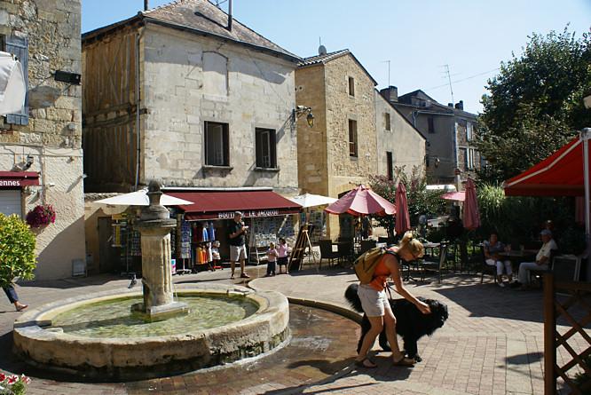 Bergerac in the wine growing region of the dordogne river - Bergerac piscine municipale ...
