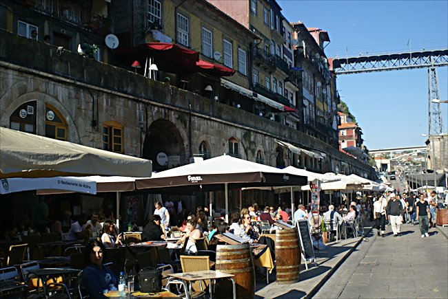 The cafes and resturants lining the Cais da Ribeira waterfront