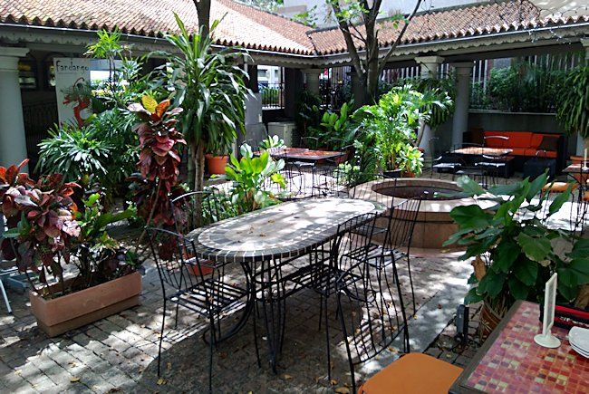 Spanish style cafes in Singapore