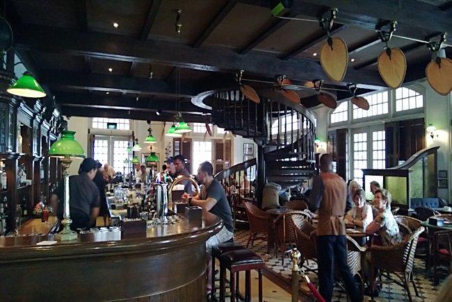 Raffles Hotel Long Bar Singapore Travel Tips