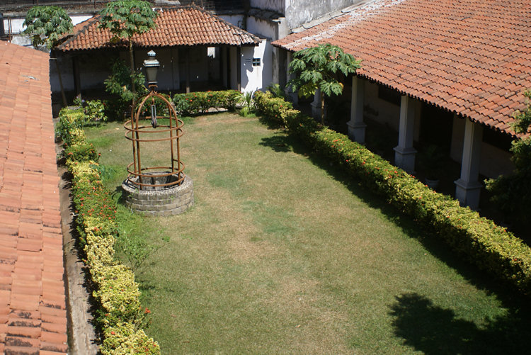 Colombo old dutch museum in pettah sri lanka for Courtyard designs in sri lanka