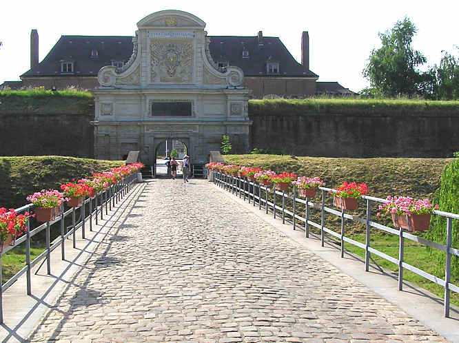 the citadelle fortress in lille france travel guide. Black Bedroom Furniture Sets. Home Design Ideas